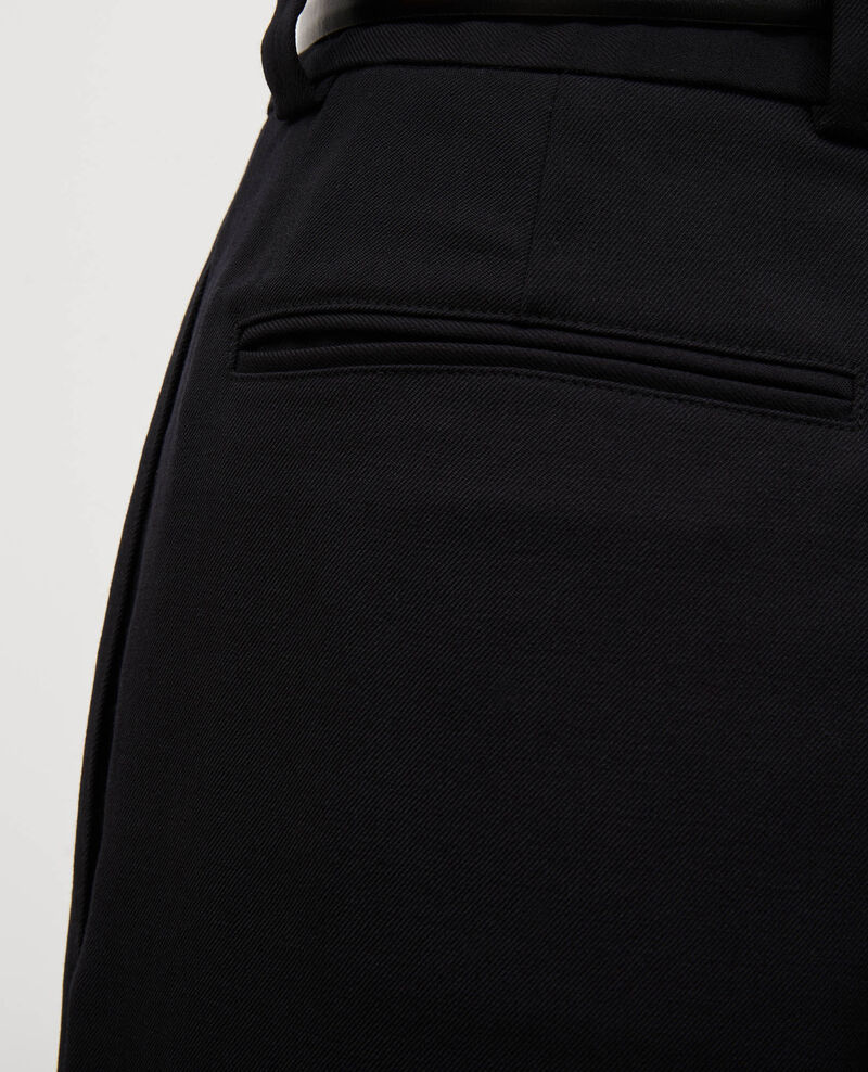 Weite Bermudashorts mit hoher Taille Black beauty Mercal