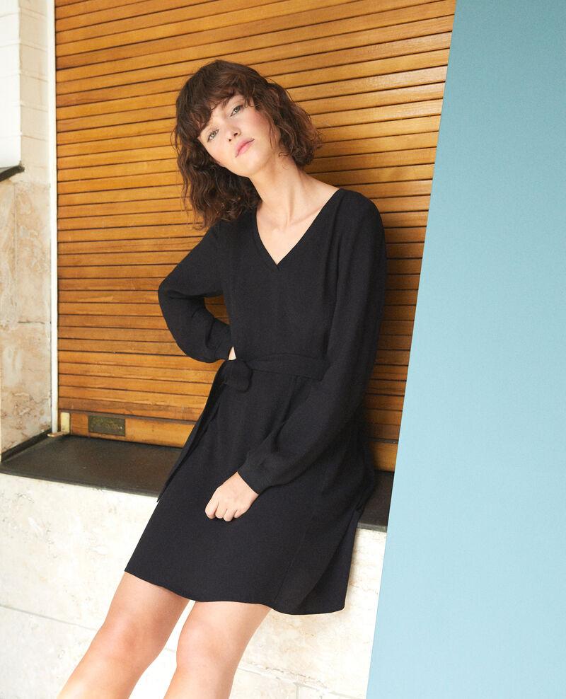 Kleid mit V-Ausschnitt Schwarz Genevieve