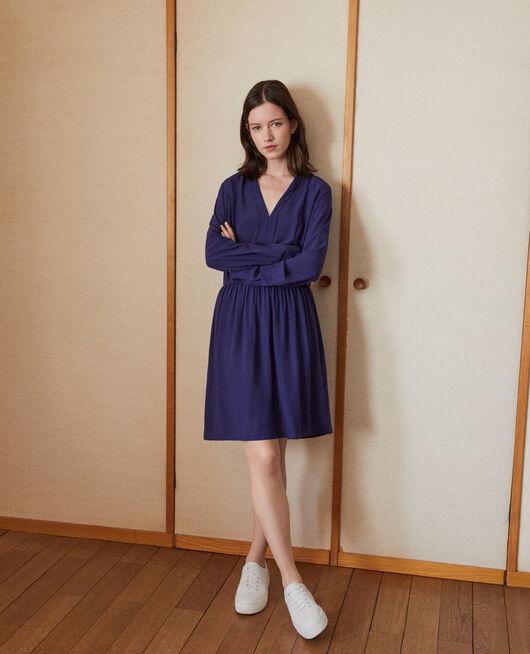 Kleid mit V-Ausschnitt Blau