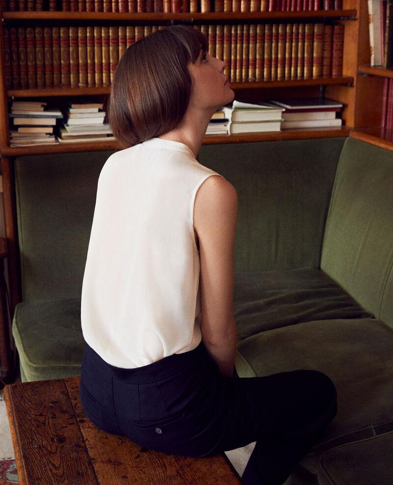 Bluse mit Spitzenplastron aus Seide Coconut milk Jandros