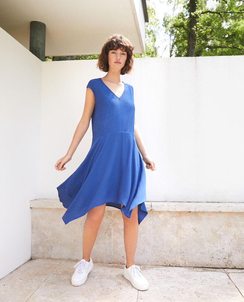 Kleid mit V-Ausschnitt Ultra marine Fondant
