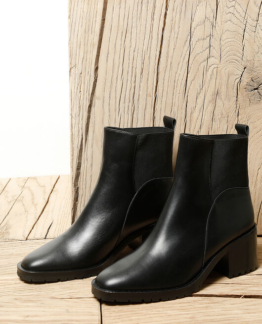 Smooth leather ankle boots Schwarz
