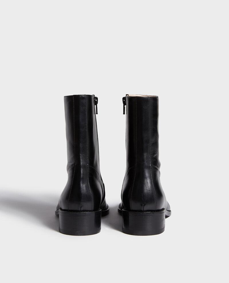 Enge Boots aus Leder  Black beauty Lamine