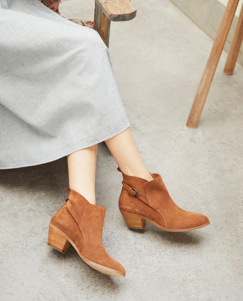 Stiefel aus Veloursleder Marron Issentiel
