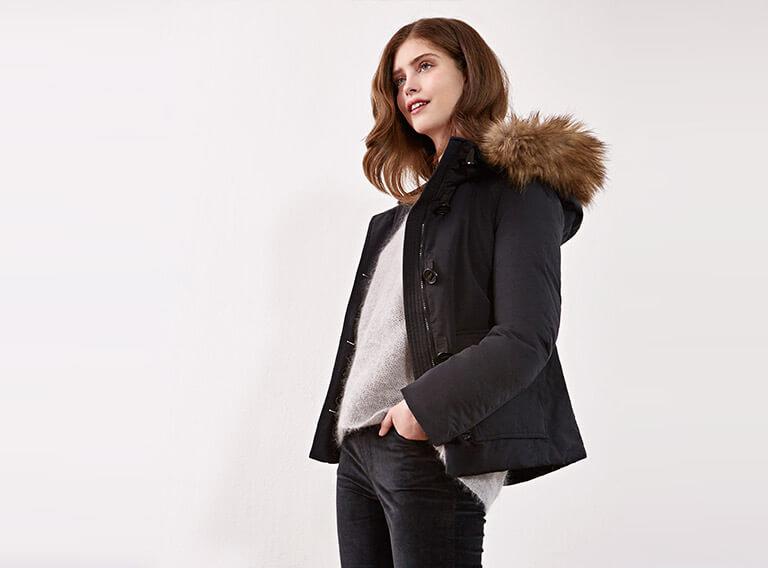 Look femme - Blouse en soie et jeans droit