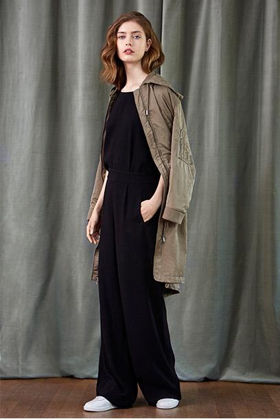 Look - Jumpsuit aus Krepp und Parka